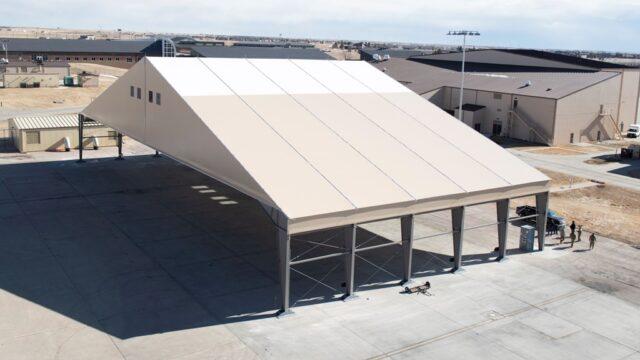Prototypowy hangar lekki dla B-21 Raider